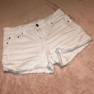 Tractr Girls' White Frayed Jean Shorts